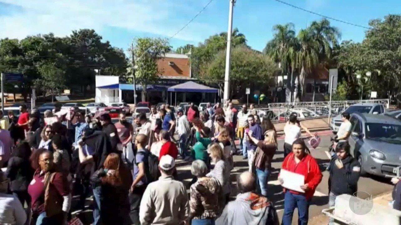 Funcionários dos setores técnico-administrativos e da saúde entram em greve na Unicamp