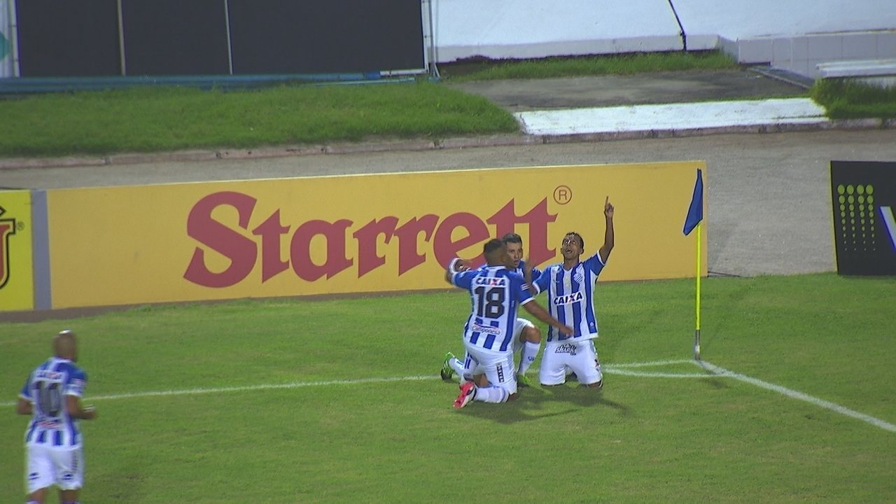 Didira marca contra o Figueirense, aos 13 do 1º tempo: seis gols no ano