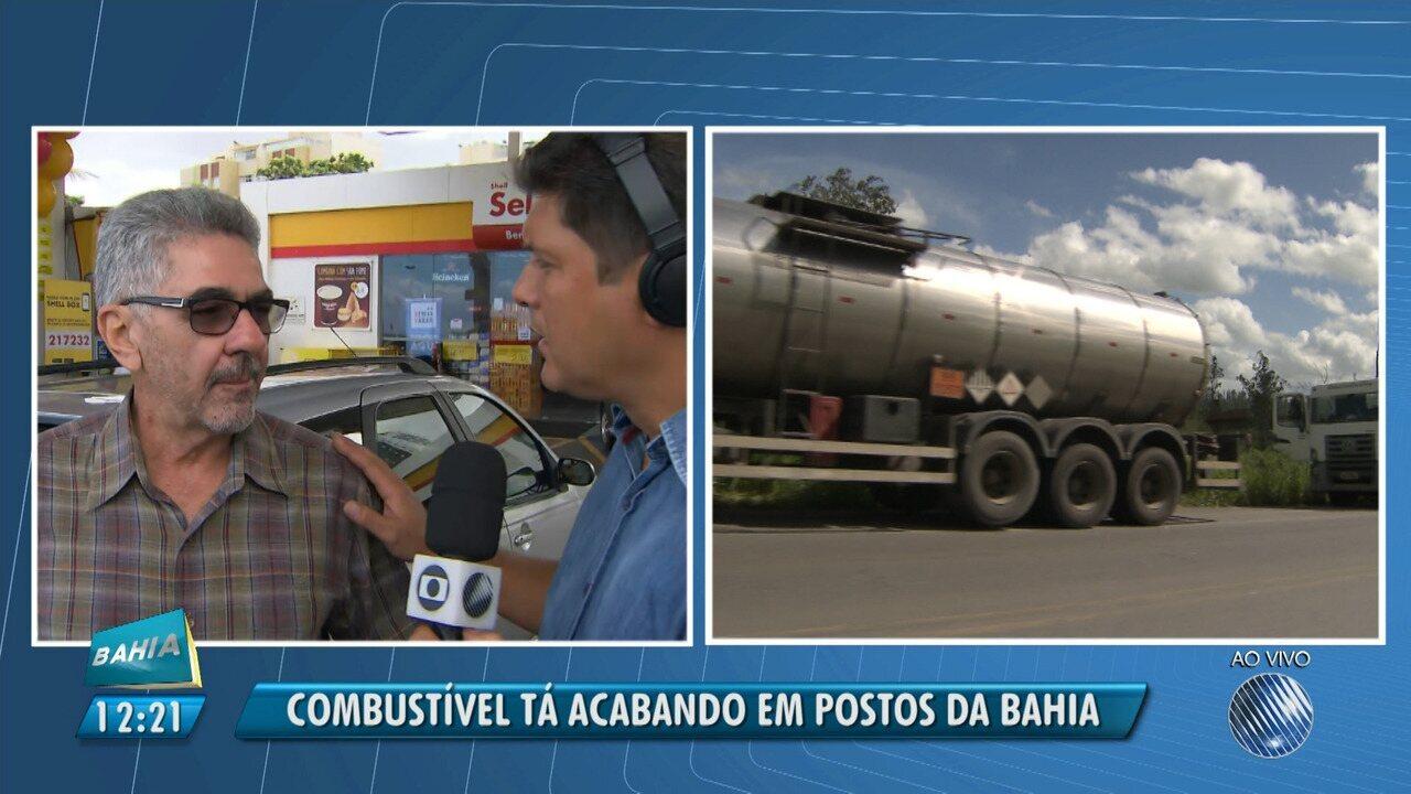 Caminhoneiros fecham estradas e combustíveis começam a faltar em postos do estado