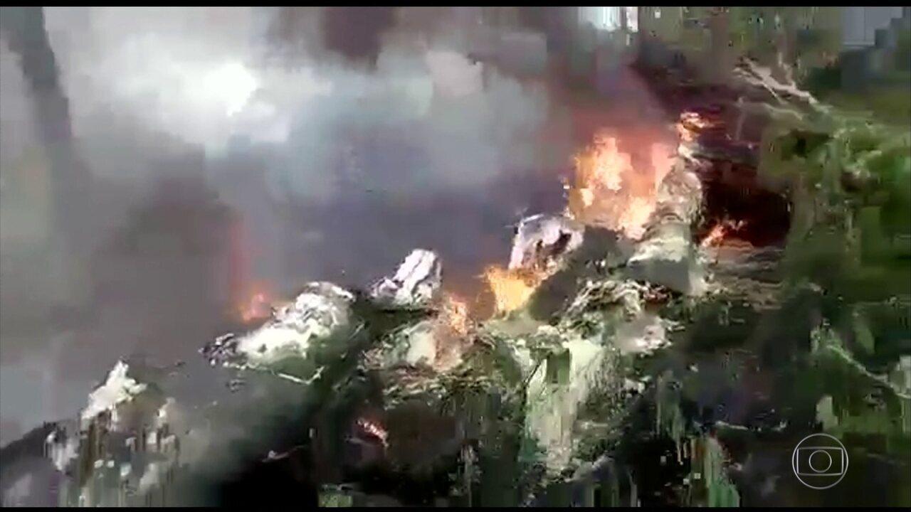 Avião da FAB cai no Rio de Janeiro