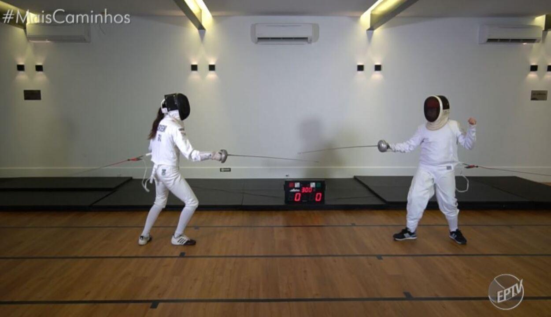 'No meu Pique': Cris Ikeda pratica esgrima