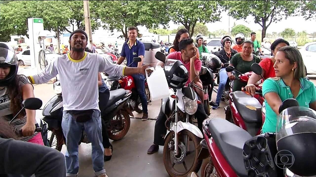 Falta de combustível afeta transporte público e provoca filas nos postos
