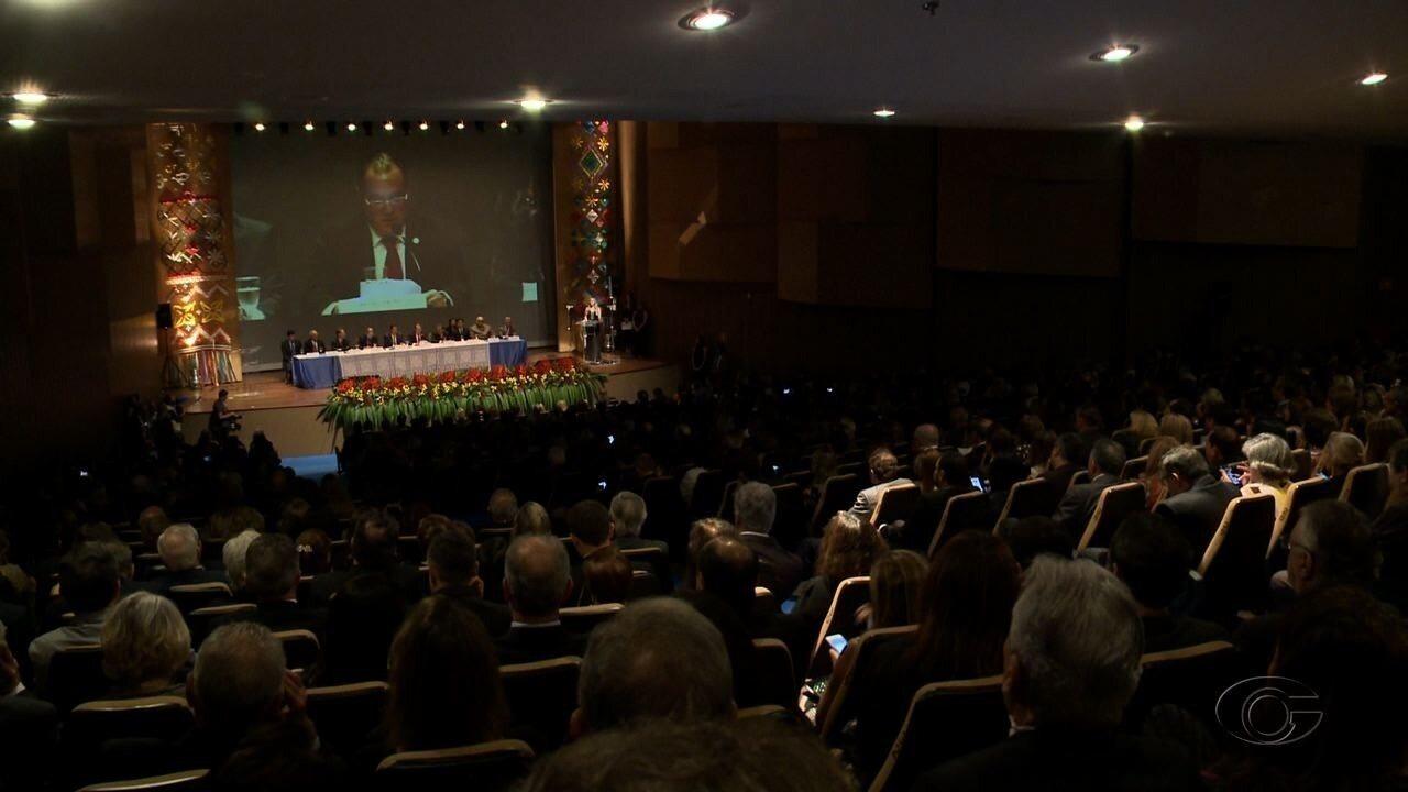 Em Maceió, encontro discute sobre a influência do poder judiciário na política brasileira