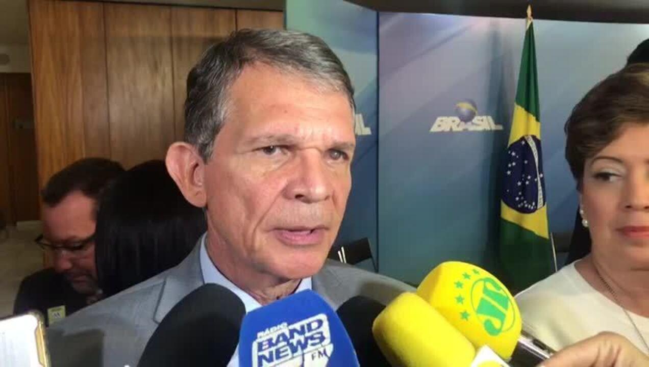 Prioridade de atuação das Forças Armadas são refinarias e aeroportos, diz ministro