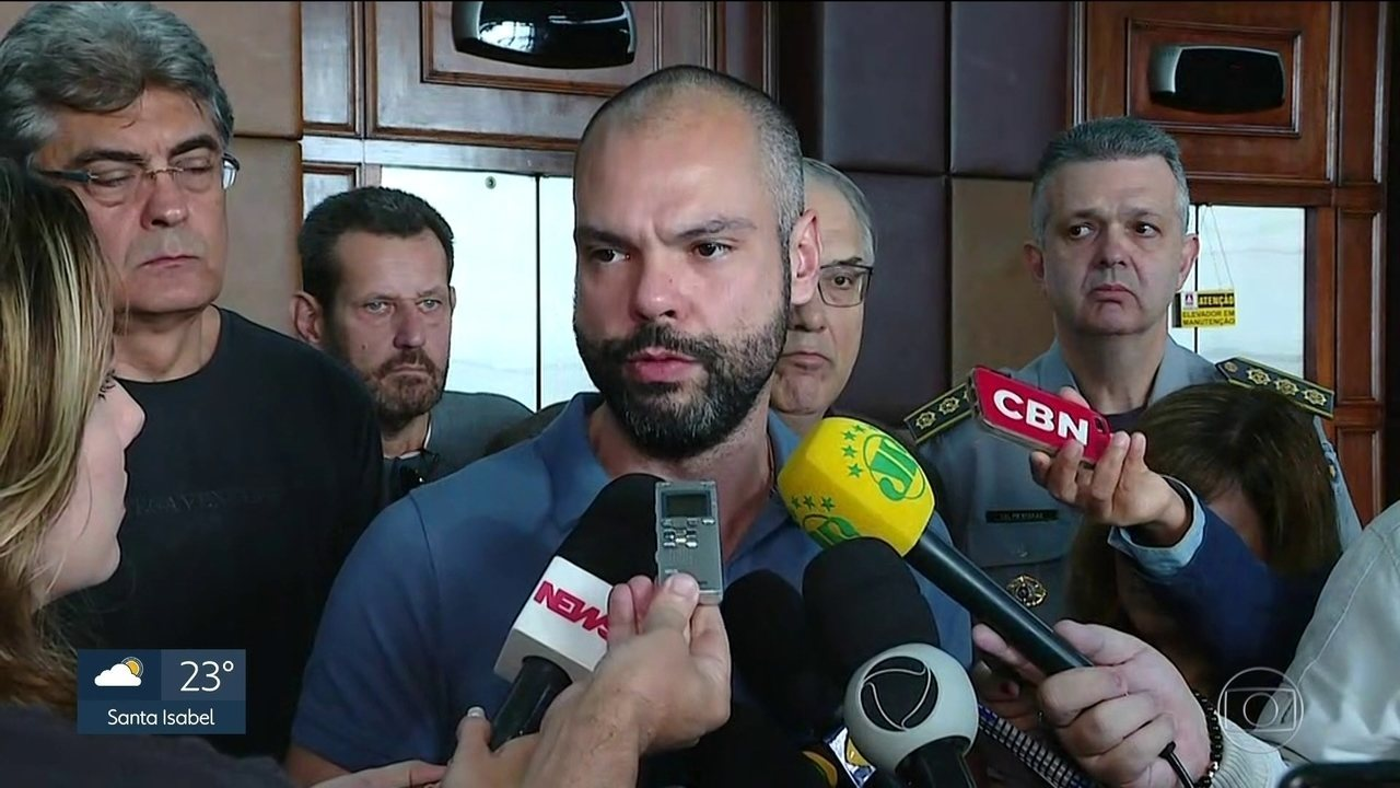 Comitê de crise se reúne na prefeitura de São Paulo para traçar estratégias