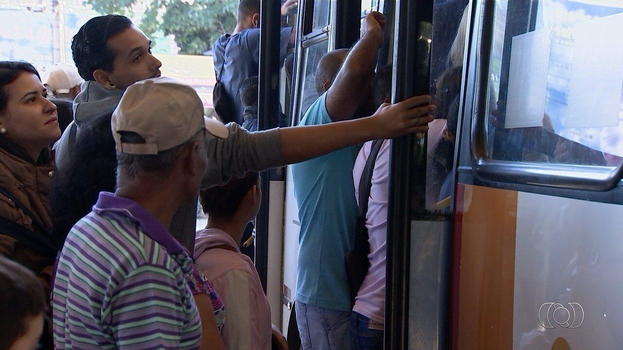 Paralisação de caminhoneiros prejudica transporte coletivo em Goiânia