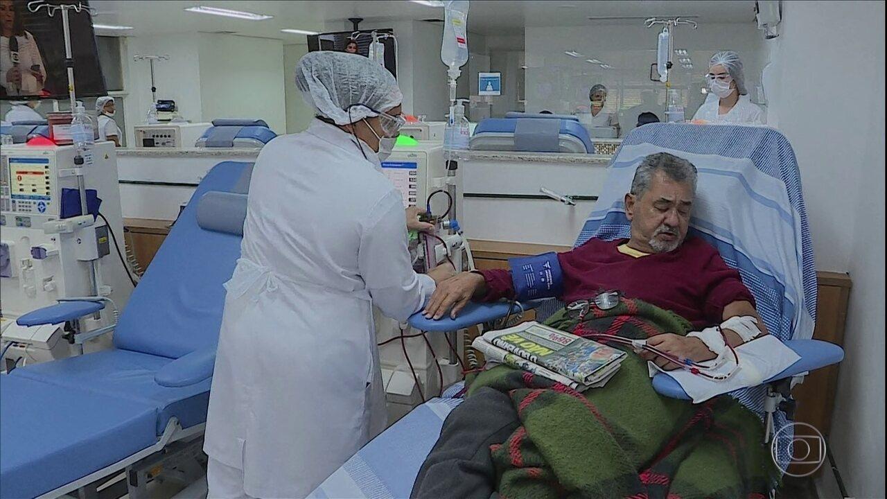 Hospitais de várias capitais cancelam cirurgias agendadas para priorizar emergências
