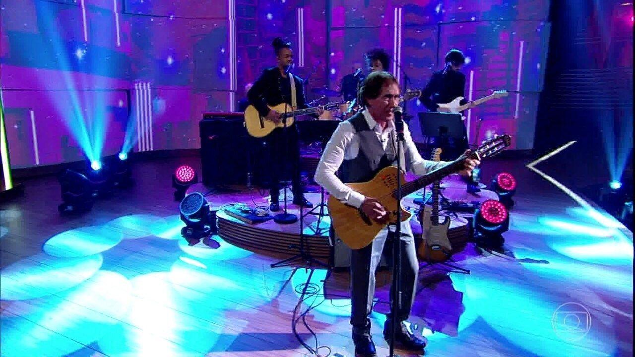 Odair José canta