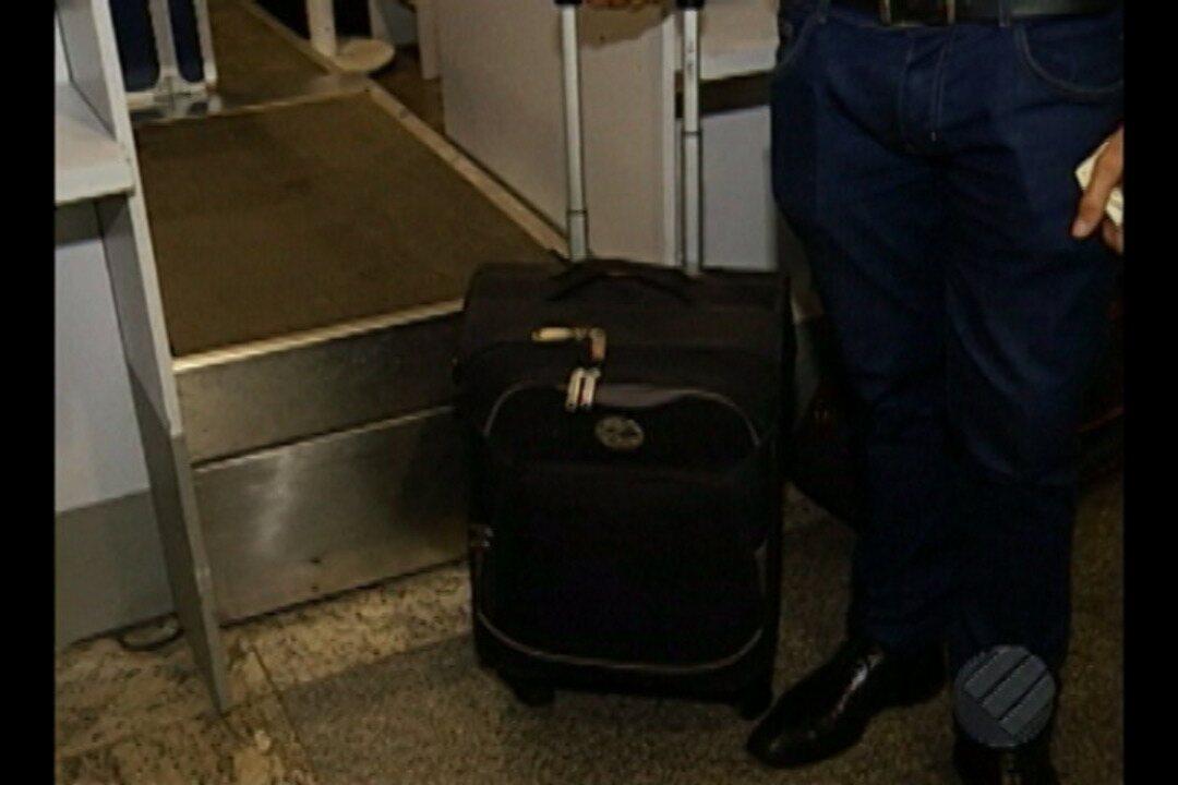 Preços de passagens aérea não reduzem após inclusão da taxa de bagagem nas viagens