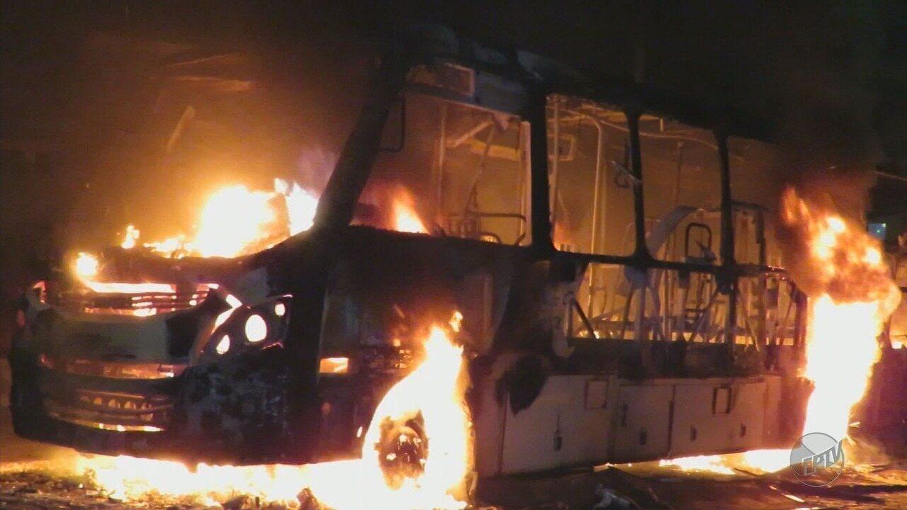 Três pessoas são presas suspeitas de participação em ataques a veículos em Poços de Caldas