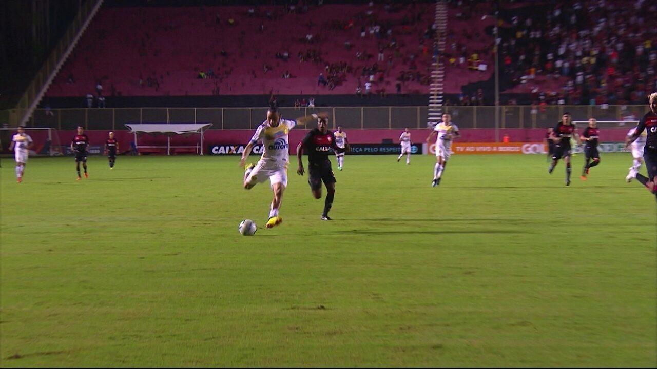 Melhores momentos de Vitória 1 x 0 Chapecoense pela 10ª rodada do  Campeonato Brasileiro 99902e2d23f89