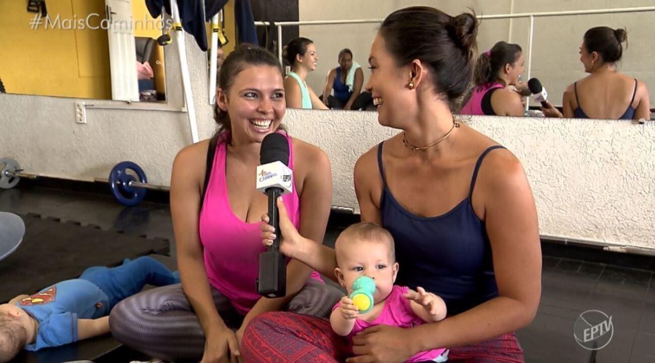 Cris Ikeda conhece grupo de mães que praticam exercícios físicos com os filhos.