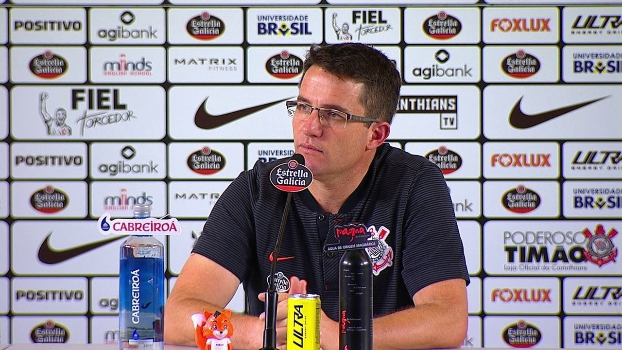 Técnico Osmar Loss fala em entrevista coletiva em empate em 0 a 0 com o Vitória, na Arena.