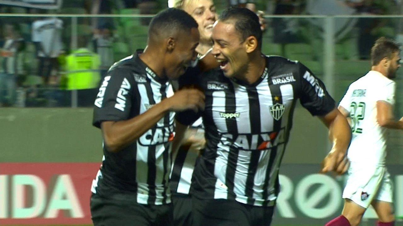 Veja o gol de falta de Ricardo Oliveira contra o Fluminense