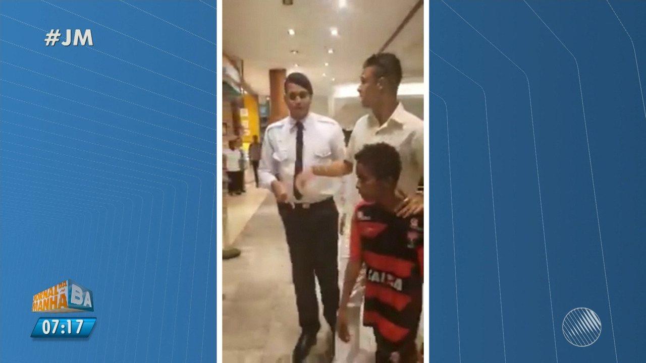 Polêmica no Shopping da Bahia: segurança tenta impedir cliente de pagar almoço a criança