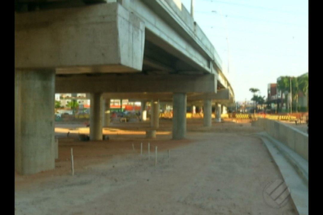 Atraso nas obras do BRT continuam causando transtornos para quem mora na área
