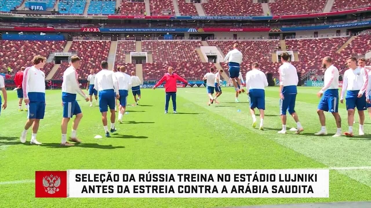 Rússia faz reconhecimento do gramado no palco da abertura da Copa