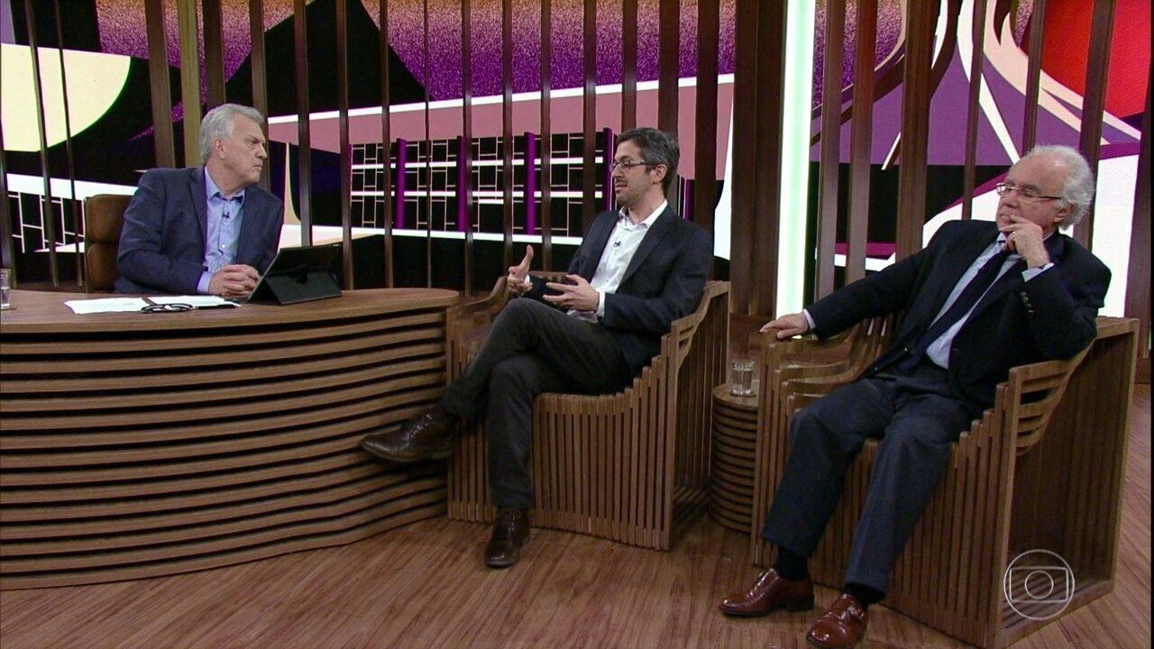 Conrado Hübner e Joaquim Falcão falam sobre Gilmar Mendes
