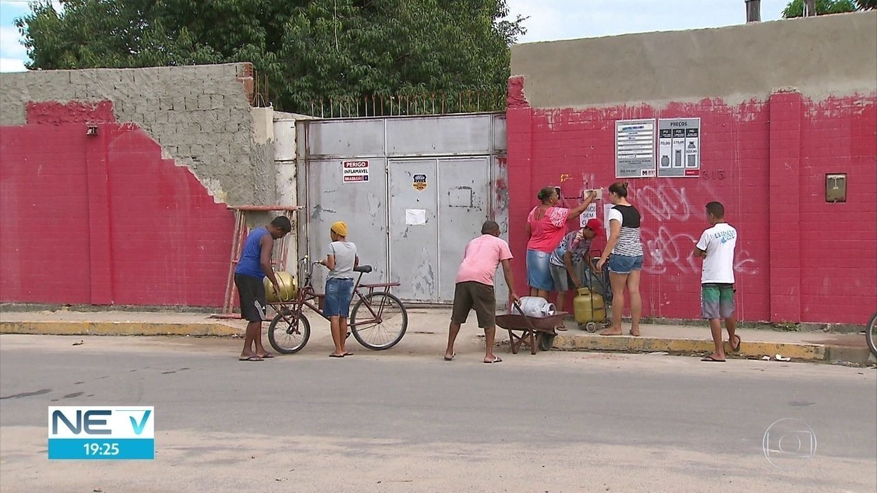 Moradores do Recife reclamam do preço cobrado pelo botijão de gás