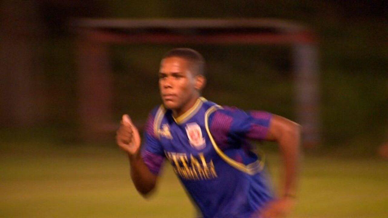 Jovens sonham em ser jogadores de futebol