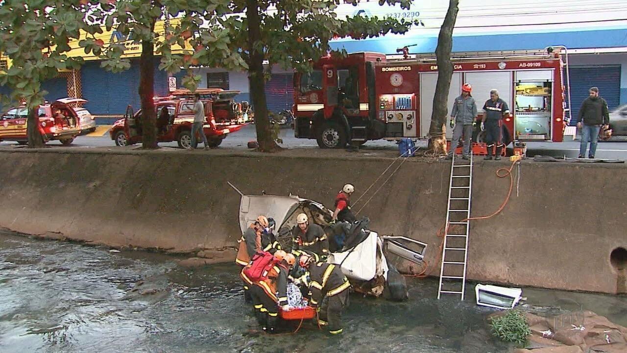 Polícia tenta identificar vítimas de acidente em avenida em Ribeirão Preto, SP