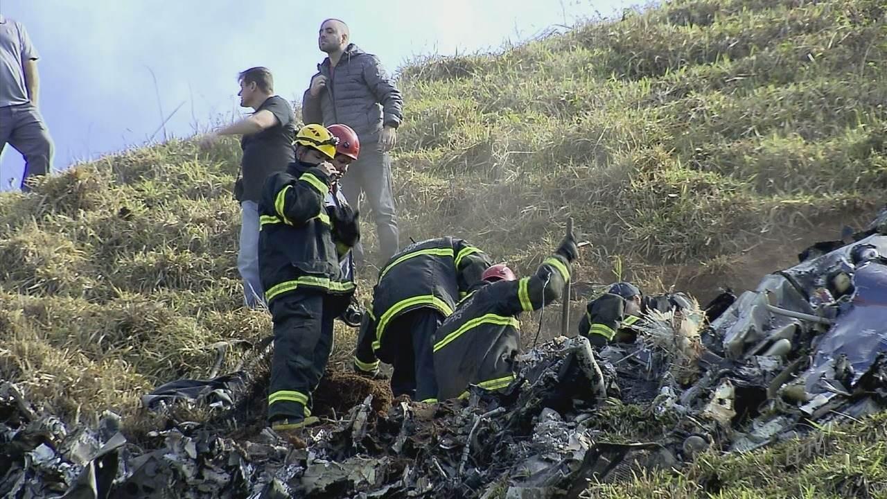Piloto e helicóptero que caiu estavam com documentação em dia, diz Cenipa