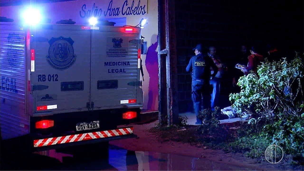 Jovem é morto a tiros na frente da namorada na Zona Norte de Natal