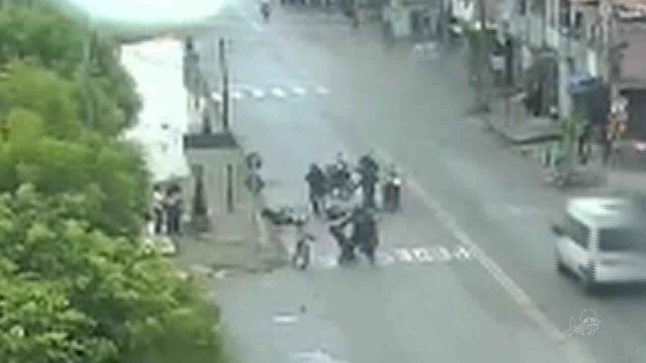 Câmeras de segurança da polícia identificam bandidos em ação na Barra do Ceará