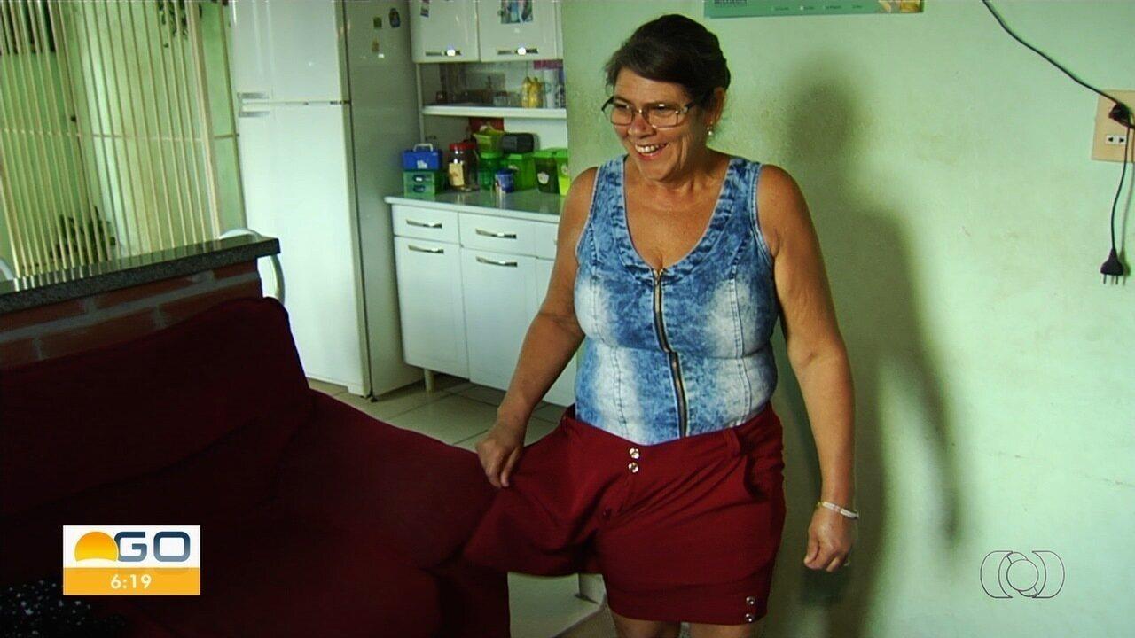 Mulher emagrece quase 30kg em um ano após mudar hábitos alimentares, em Goiânia