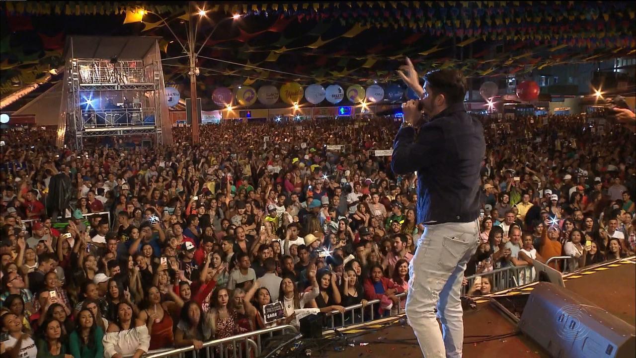 Jonas Esticado e Solange Almeida fizeram ontem shows no São João de Campina Grande