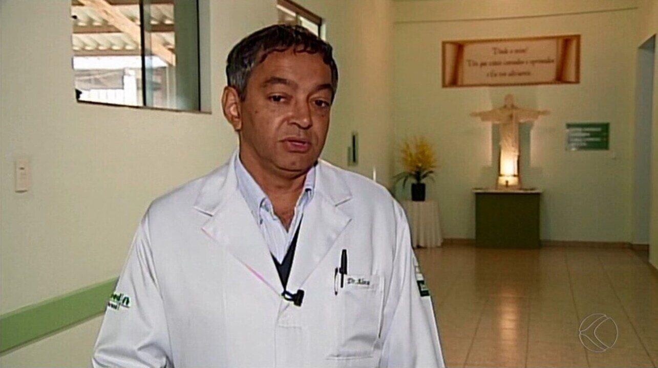 Médico Alonso Garcia fala sobre estado de saúde do jornalista Ronan Soares