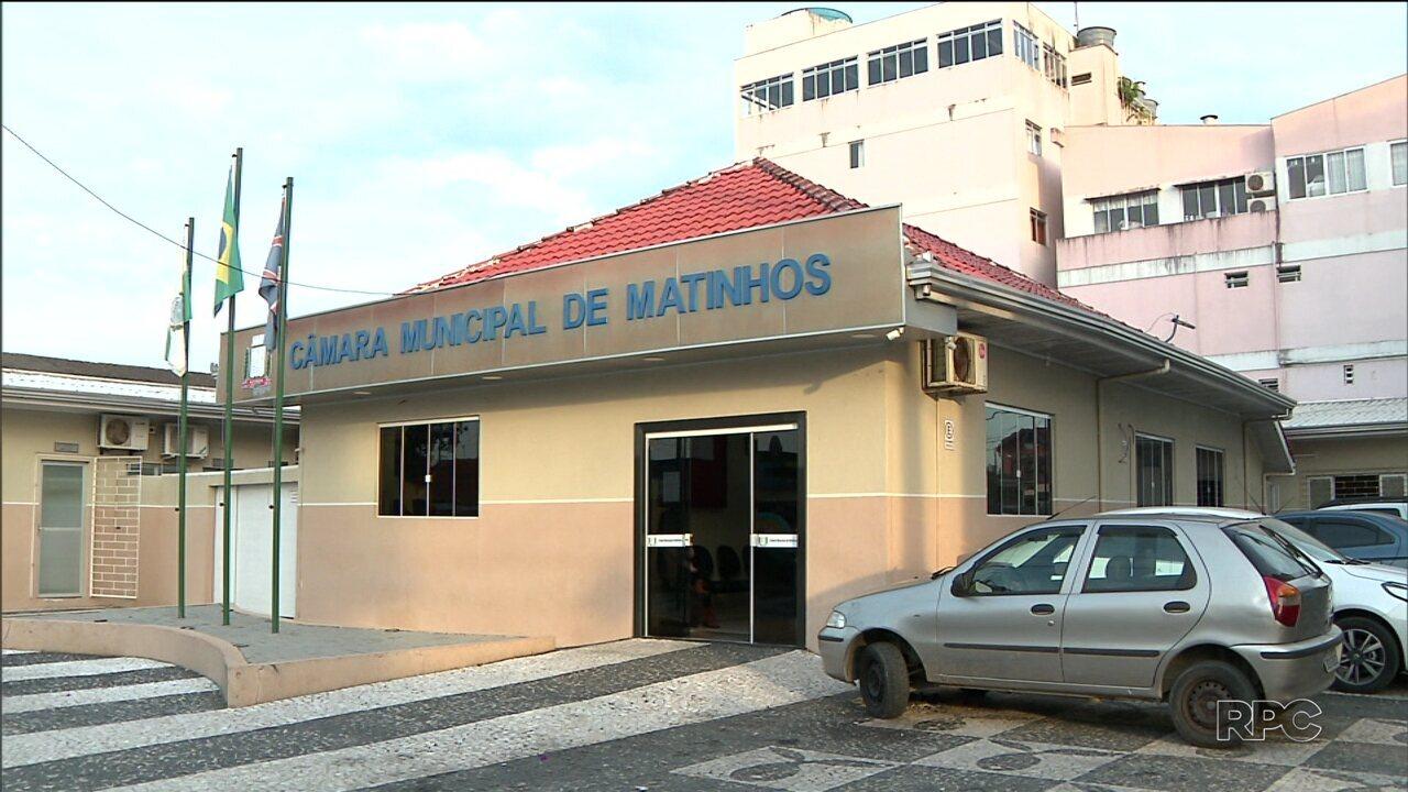 Projeto de lei pretende aumentar em 71% o salário dos secretários municipais de Matinhos
