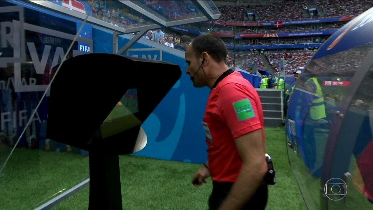 Dinamarca e Austrália empatam em jogo decidido pelo arbitro de vídeo