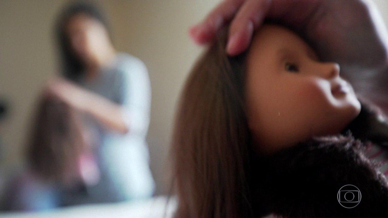 Brasileira conta como é ficar separada da filha em um abrigo de imigrantes nos EUA