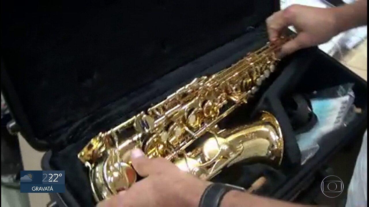 Vigilante é detido pela PF ao tentar vender saxofone roubado de instituto federal