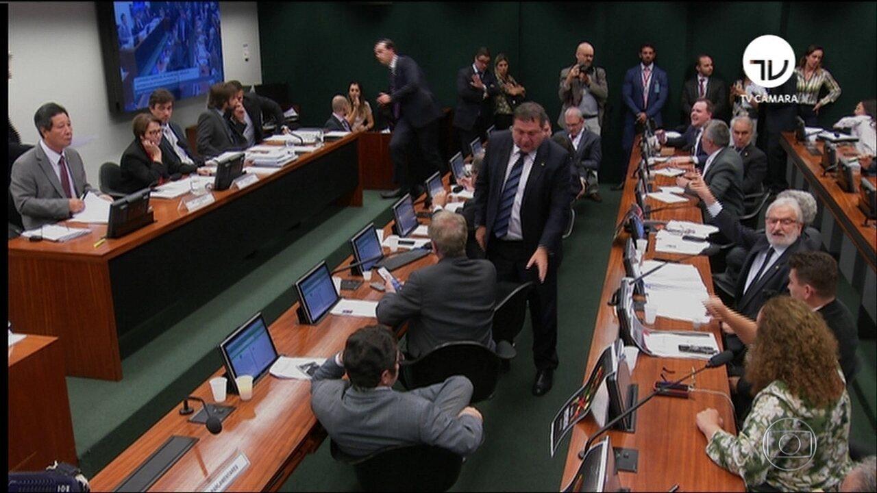 Comissão da Câmara aprova projeto sobre uso de agrotóxicos