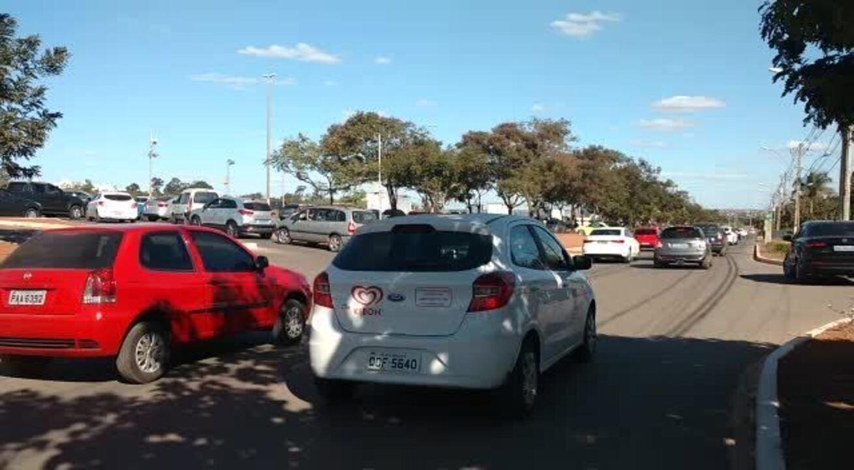 Trânsito em Brasília ficou congestionado antes do jogo entre Brasil e Sérvia