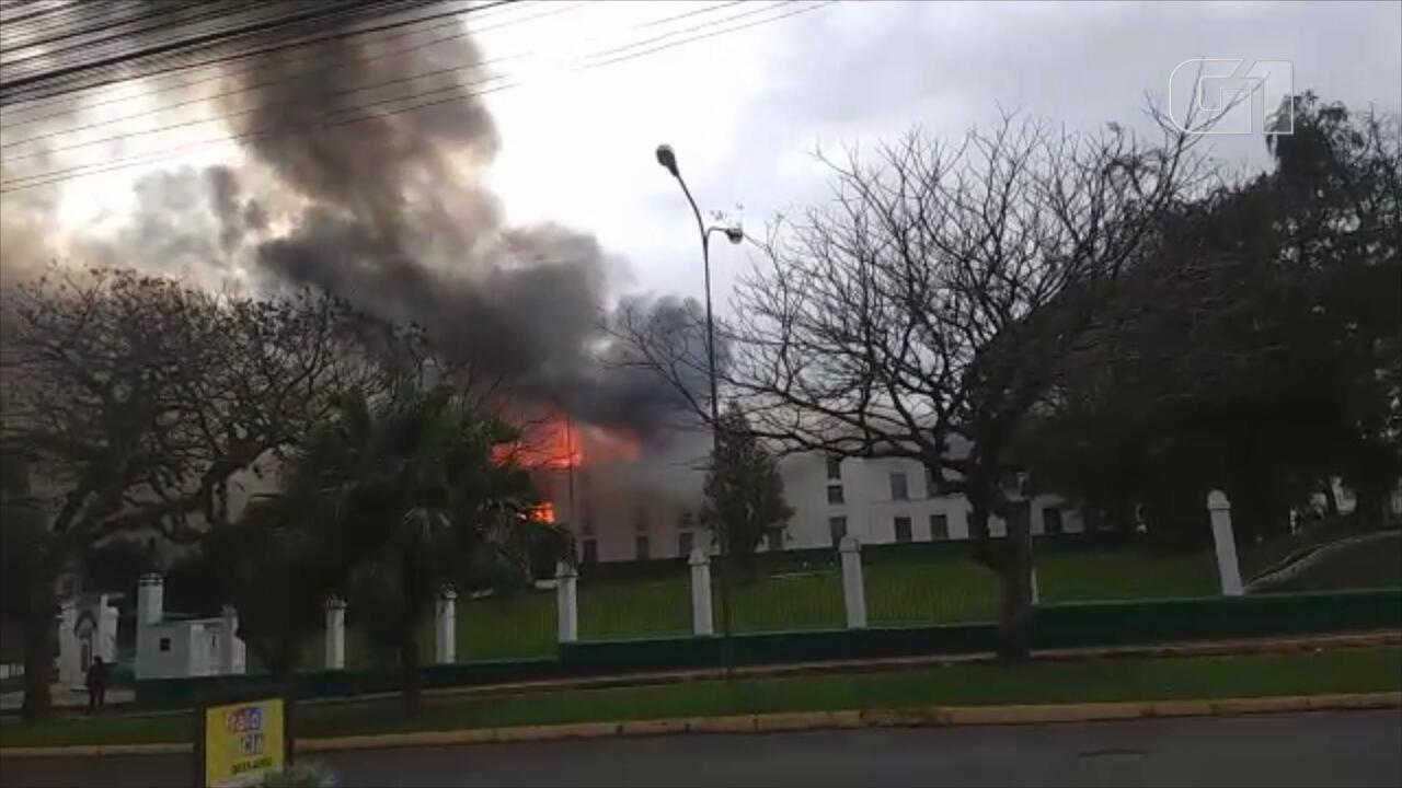 Incêndio atinge batalhão do Exército no Centro de São Leopoldo