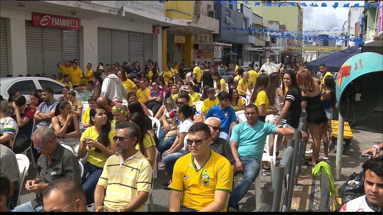 #PartiuRússia: João Pessoa e Campina Grande festejam a classificação do Brasil às quartas
