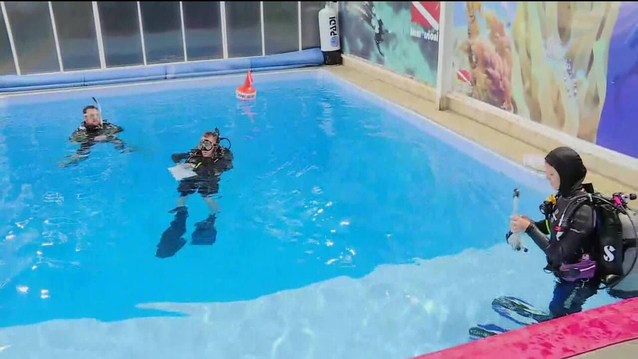 Mergulho de caverna é opção de resgate para meninos presos na Tailândia