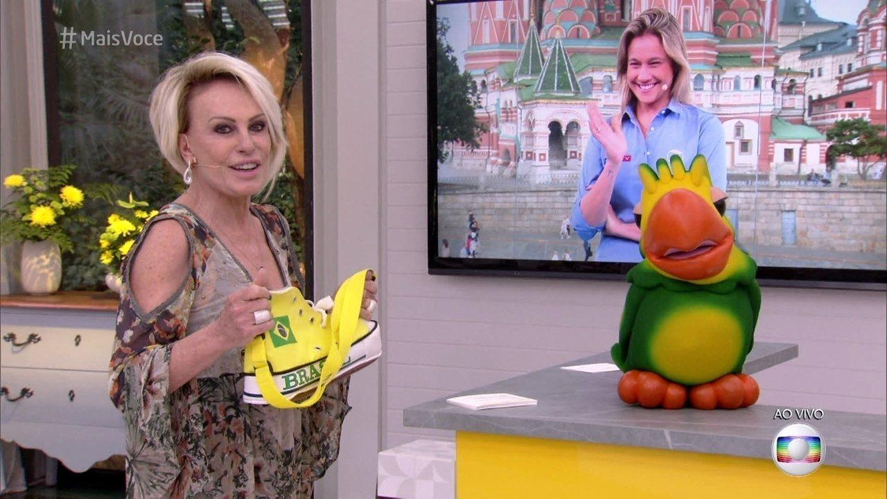 Bem-humorada, Fernanda Gentil comenta acessório para a Copa apresentado por Ana Maria