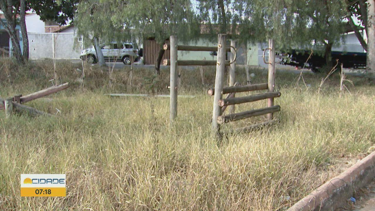 Moradores reclamam da falta de manutenção em bairro de São Carlos