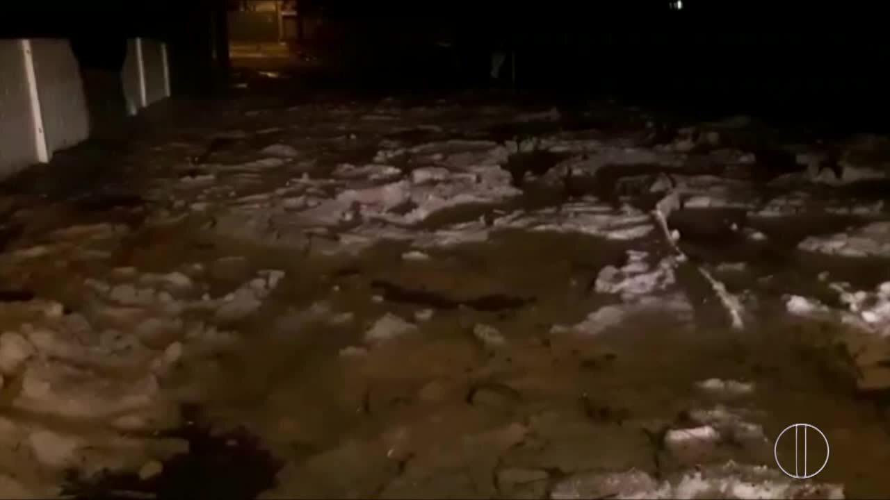 Chove granizo durante 10 minutos em Santa Maria Madalena, no RJ