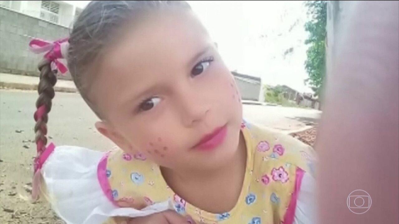 Polícia investiga omissão de socorro a menina que morreu depois de picada de escorpião