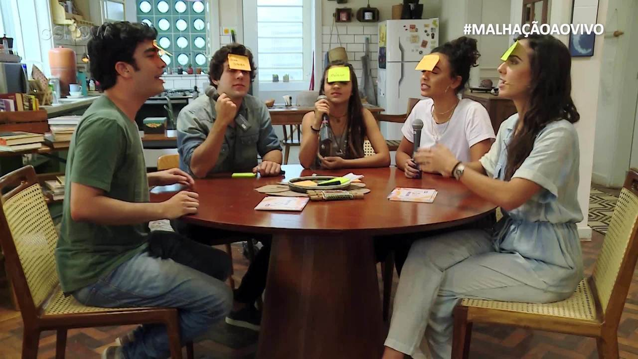 #MalhaçãoAoVivo: Elenco brinca de 'Adivinha Quem É'