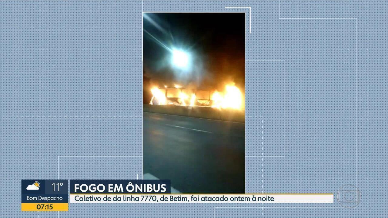 Ônibus da linha 7770 é incendiado em Betim, na Grande BH