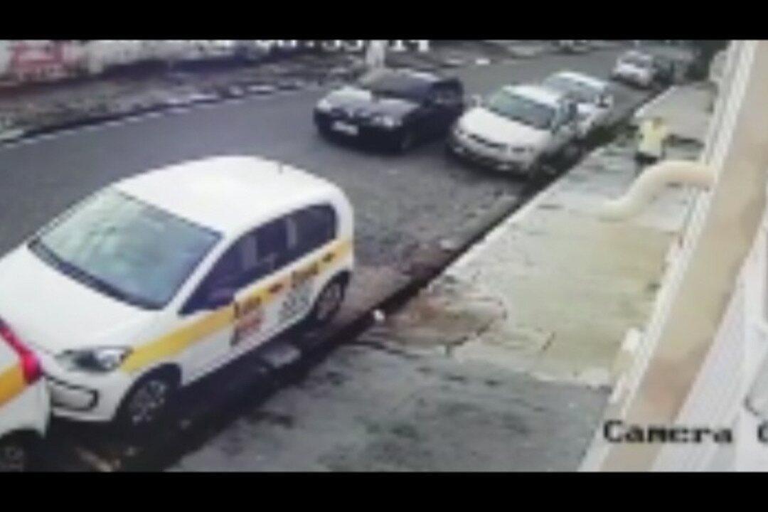 Polícia Federal divulgou os vídeos que mostram como os assaltantes agiam