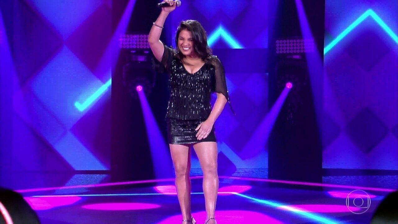 Indira Mel canta 'Regime Fechado' nas 'Audições às Cegas'
