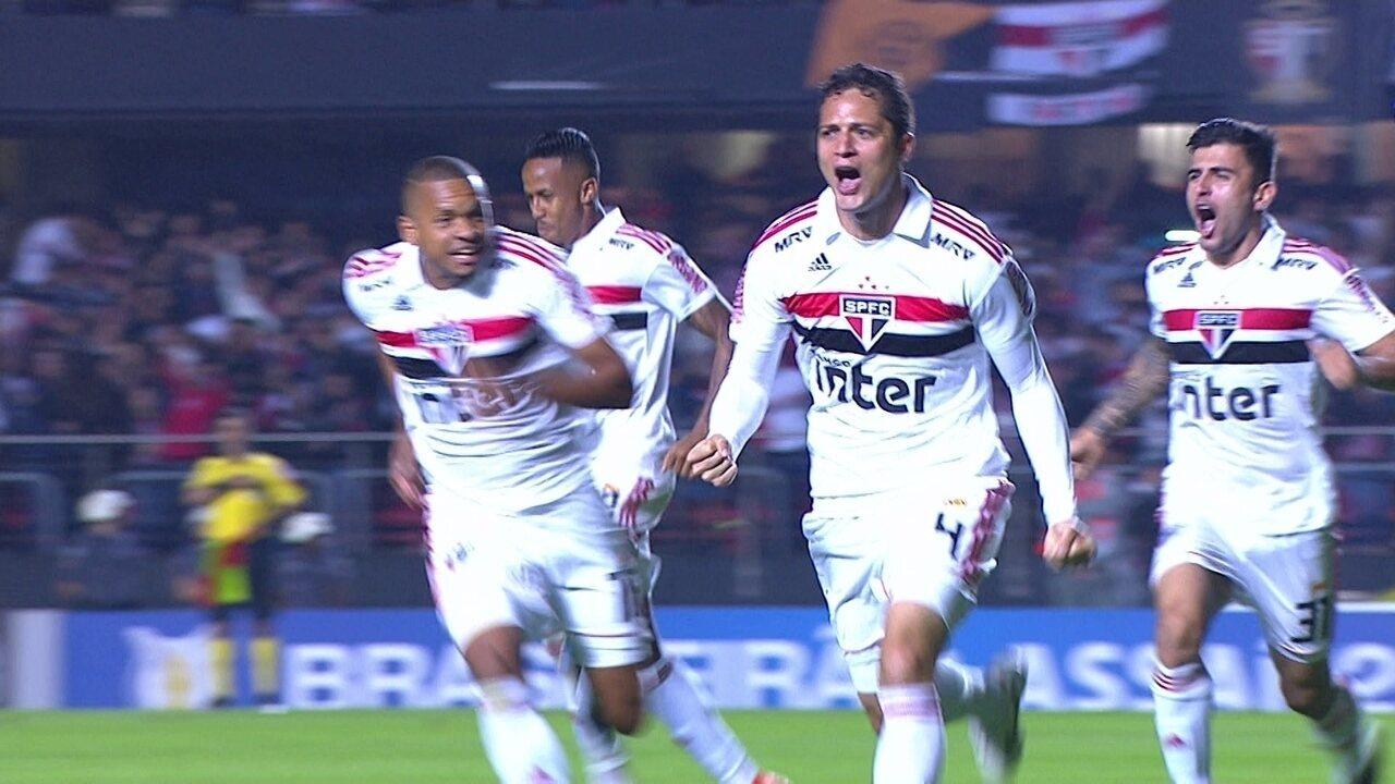 Veja o gol de Anderson Martins que abriu o placar da vitória por 3 a 1 sobre o Corinthians