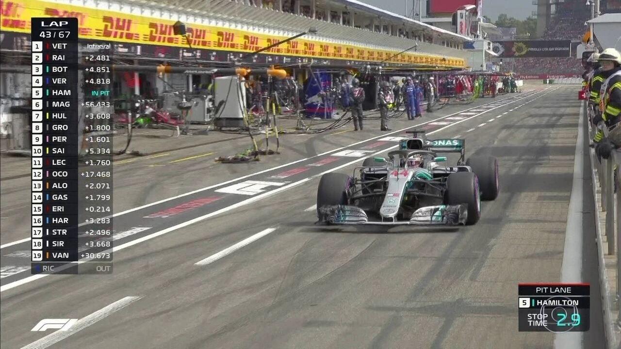 Hamilton vai para os boxes durante GP da Alemanha